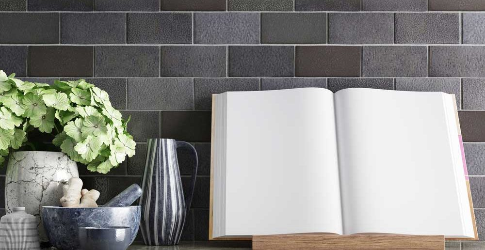 Een klassieker in de keuken: het kookboek op een standaard