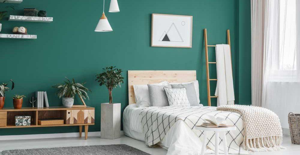 Groen op de muur in de slaapkamer: lekker fris