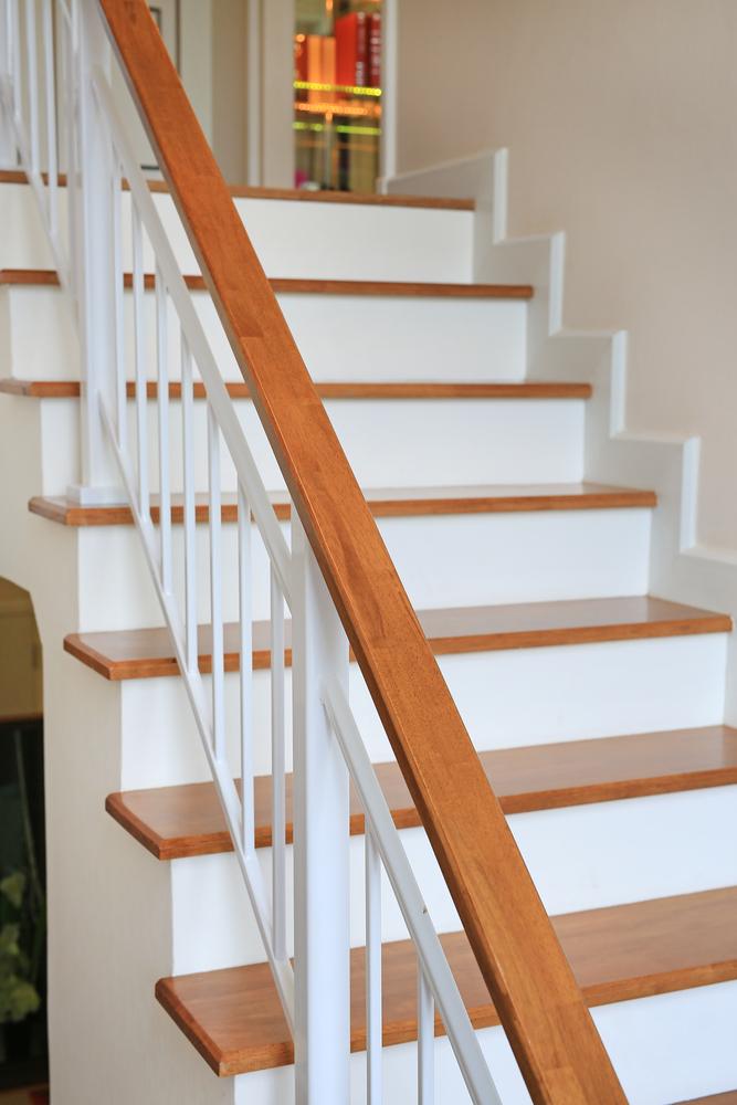 bicolor houten trap