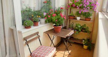 Een klein balkon inrichten: tips en tricks
