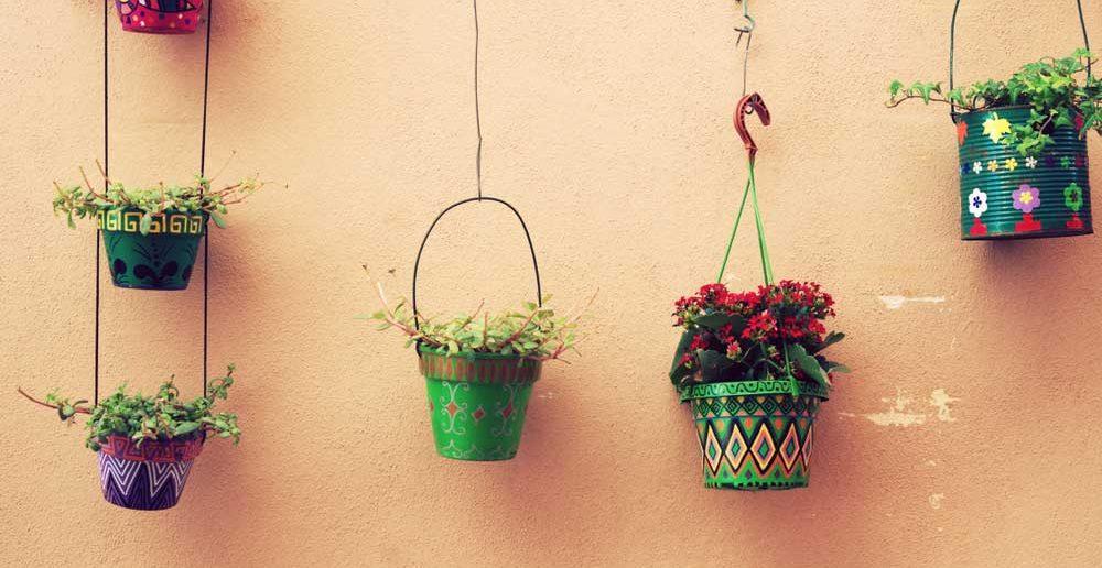 Zelf bloempotten decoreren: ideeën en voorbeelden