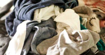 Rondslingerende kleding een plek geven in huis: tips en tricks
