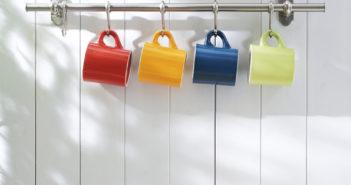 Lekker opvallend: gekleurde mokken in huis