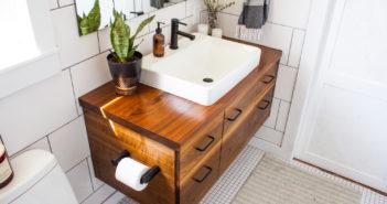 Een mooi detail in de badkamer: hout