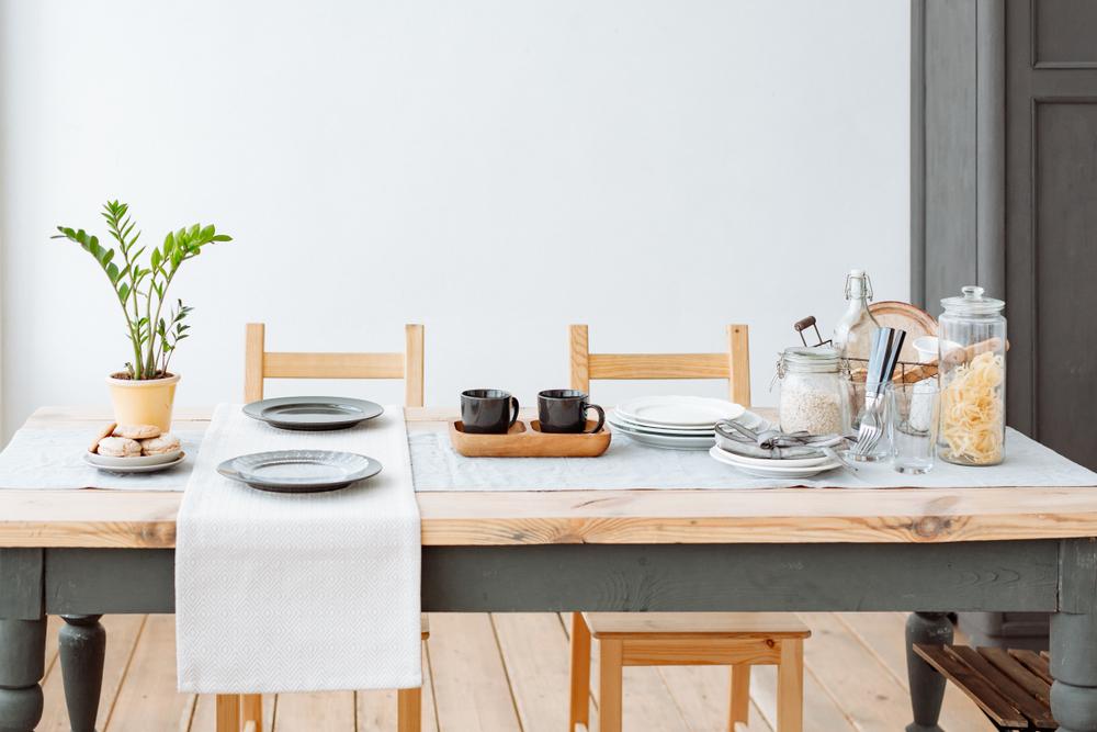 Stijlvol: hout op de eettafel