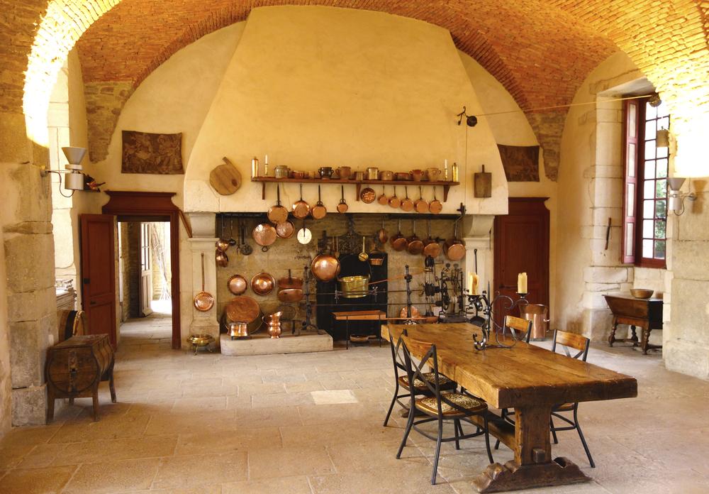 Ruwe bakstenen muren in de keuken