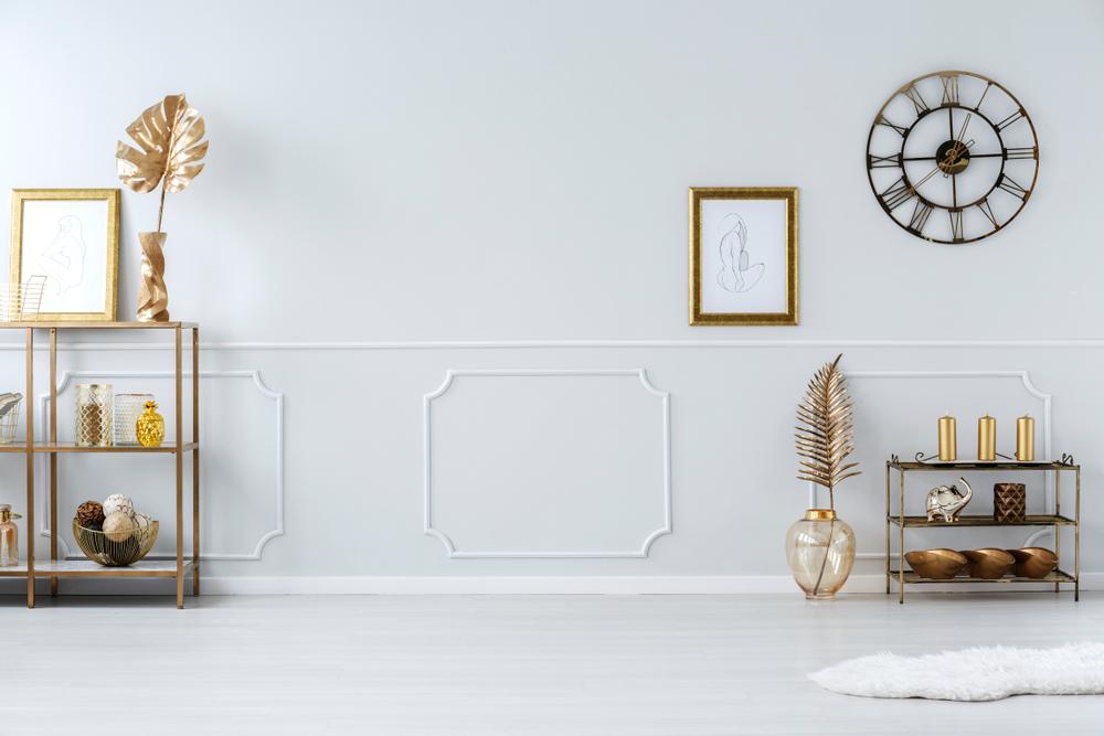Gouden details in het interieur: voorbeelden en inspiratie