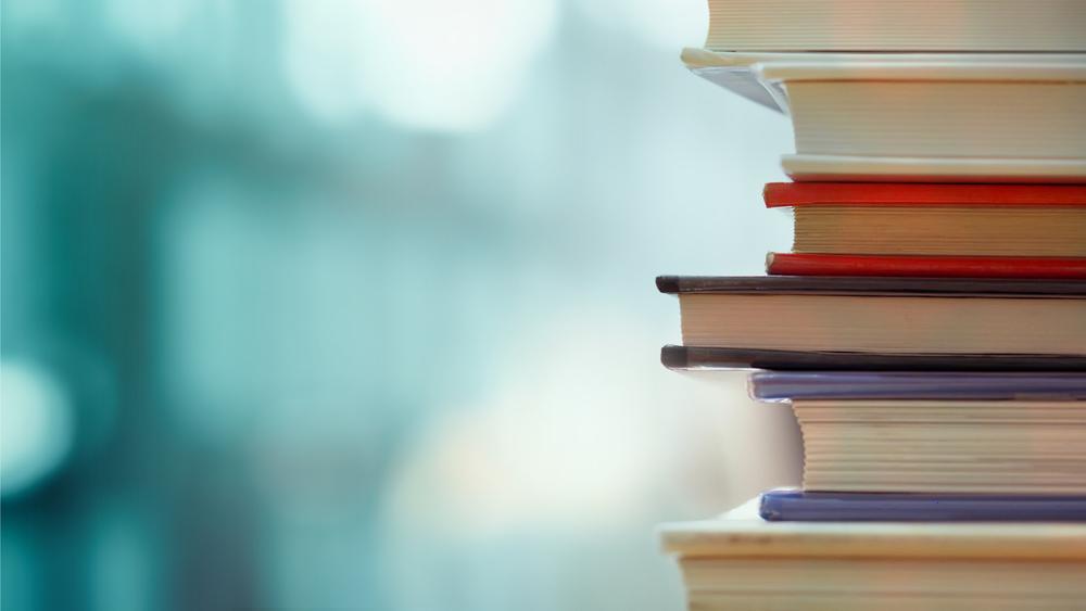 Een boekenkast inrichten: handige tips per kamer