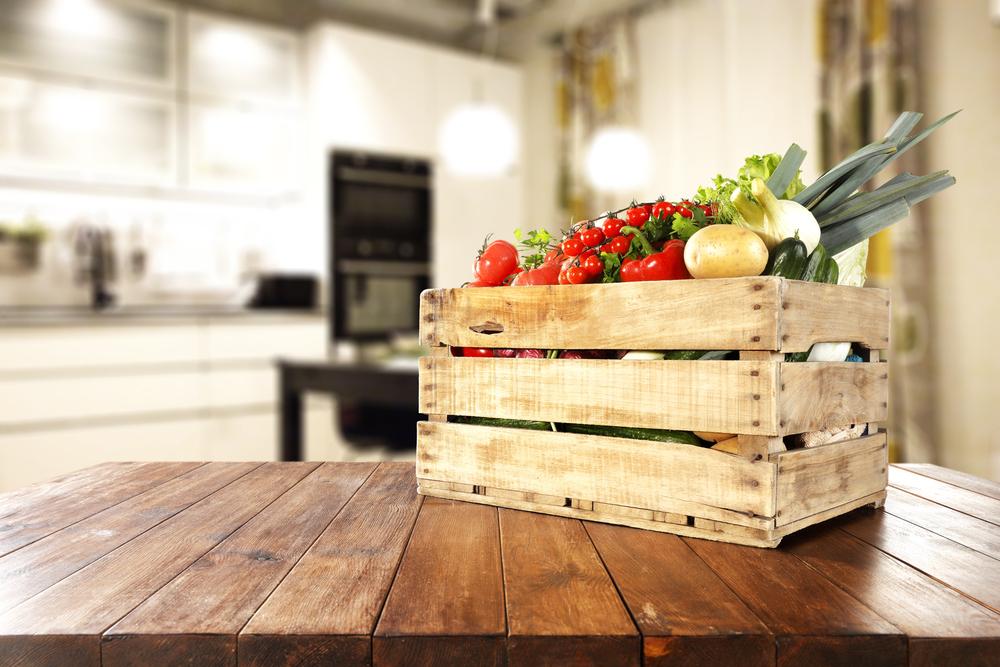 Een houten fruitmand en meer leuke houten keukenaccessoires