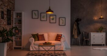 Donkere woonkamer lichter maken 8 tips