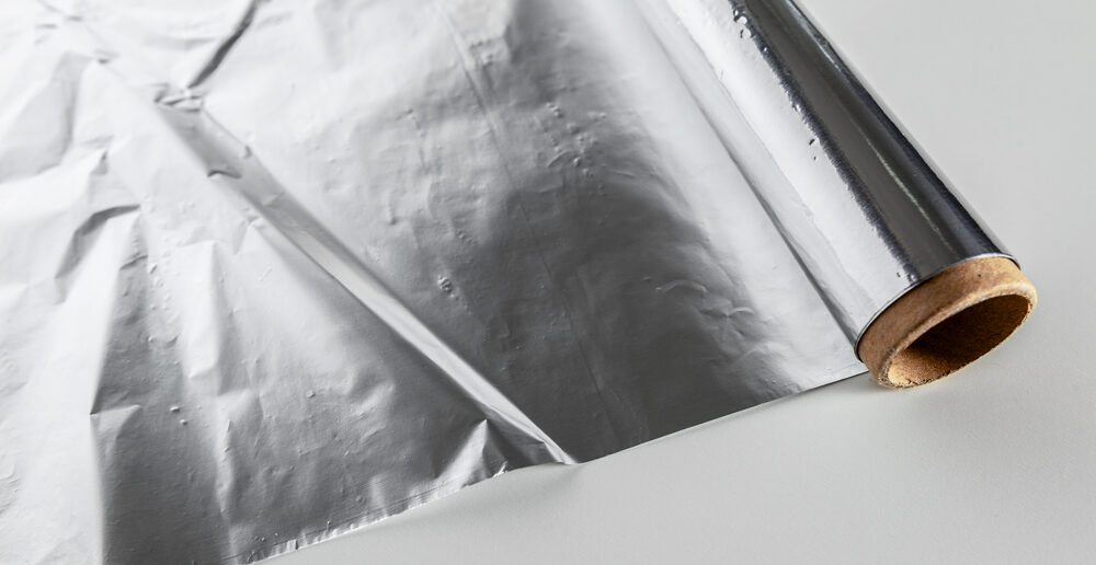 Handig! Deze 9 slimme trucs kun je doen met aluminiumfolie in huis