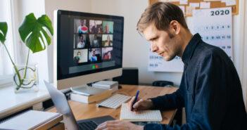 Maak een ergonomisch kantoor thuis met deze 4 belangrijke tips