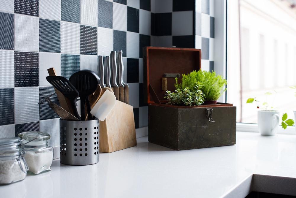 Klassieke keuken tegels wand: zwart-wit