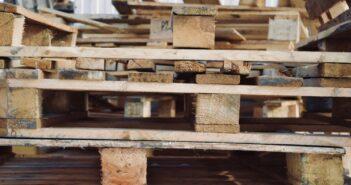 Vier dingen die je kunt maken met oude pallets