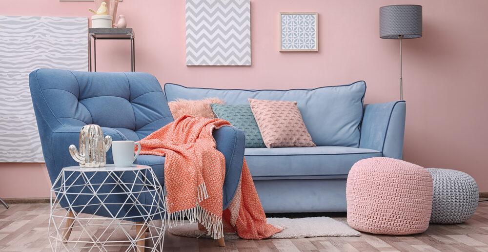 Plaatjes kijken: zó pak je uit met kleurrijke meubels in de woonkamer