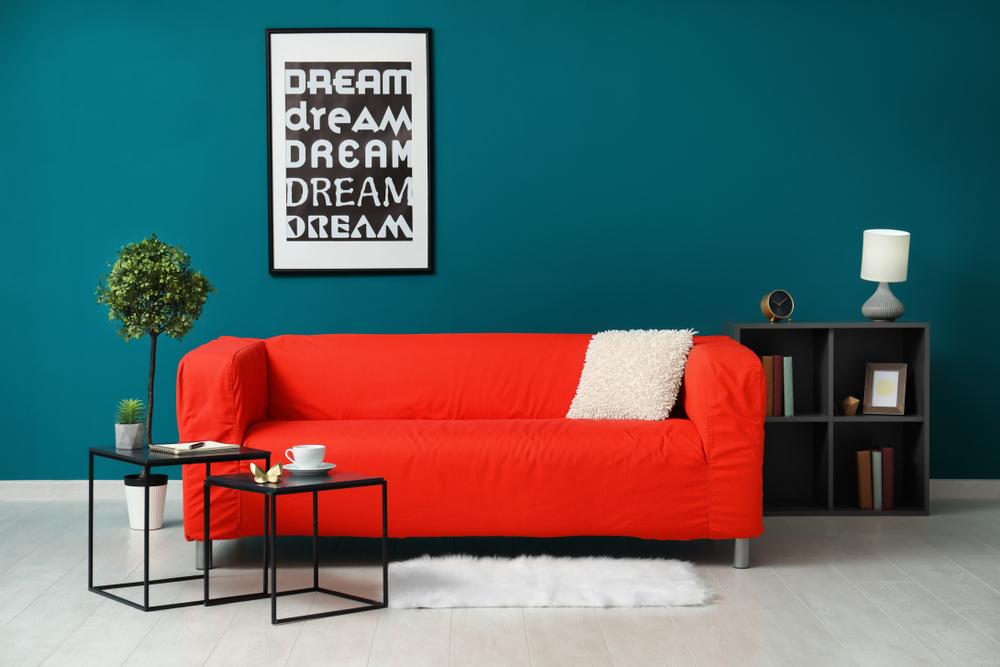 Kleurrijke meubelen: rood