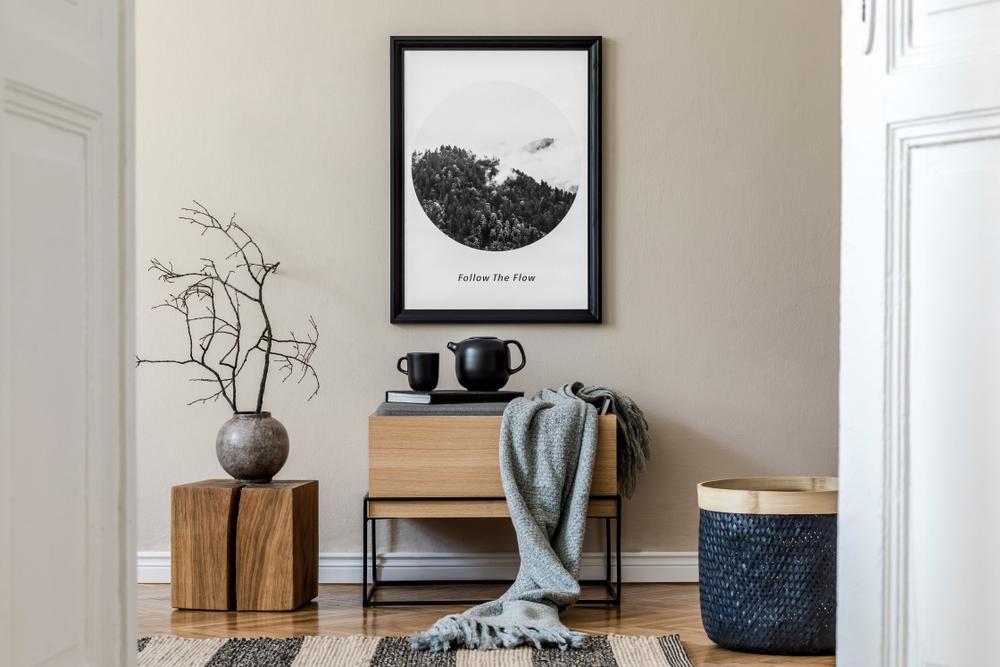 Wanddecoratie: grote lijst aan de muur